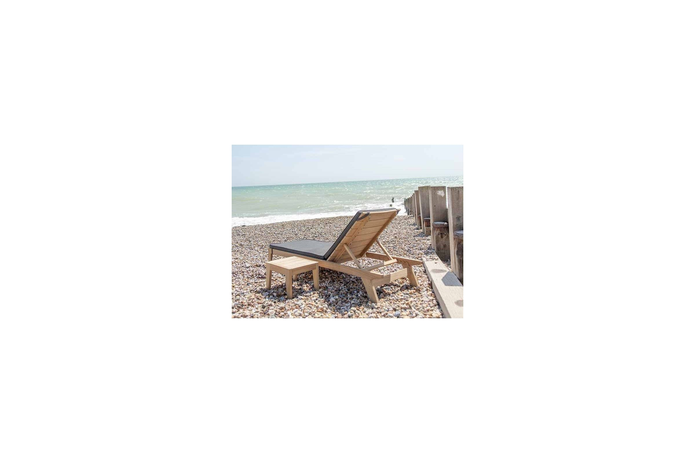 Petite table basse en bois pour bain de soleil, haut de gamme  La Galerie du