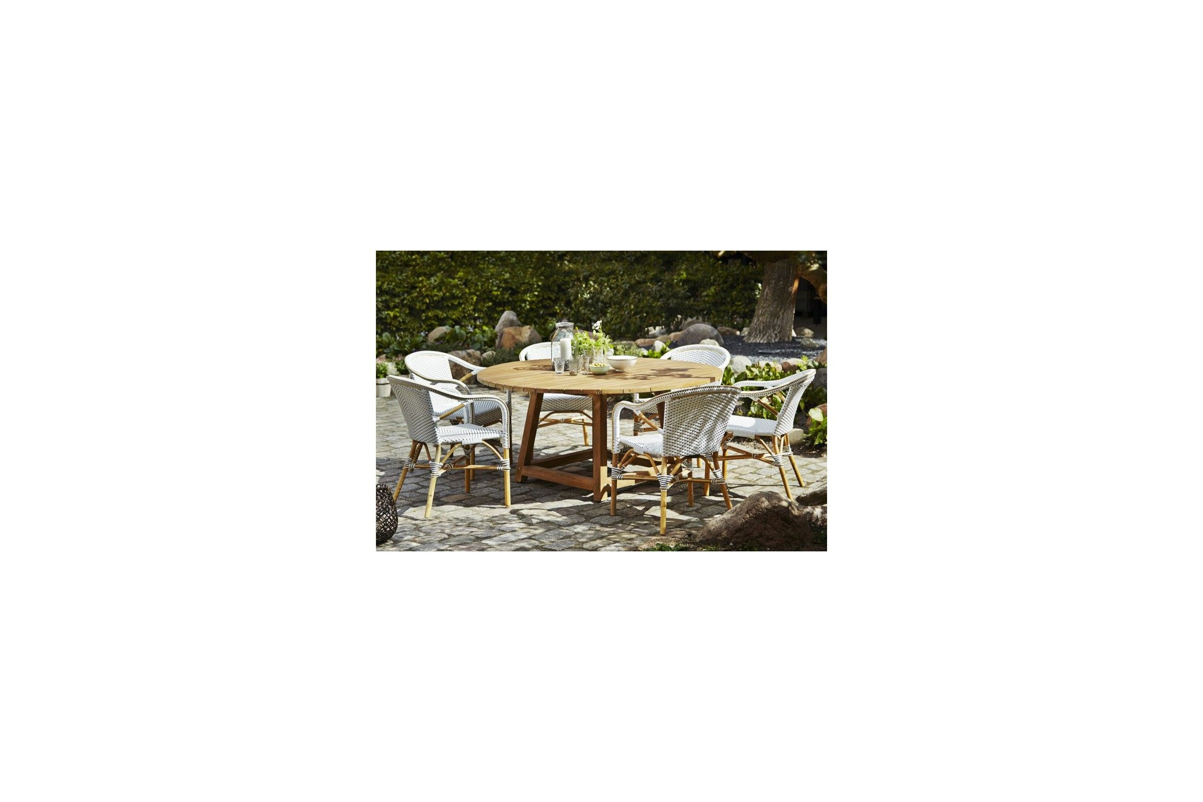 Table ronde en teck ancien pour le jardin 160 cm la for Set de table rotin