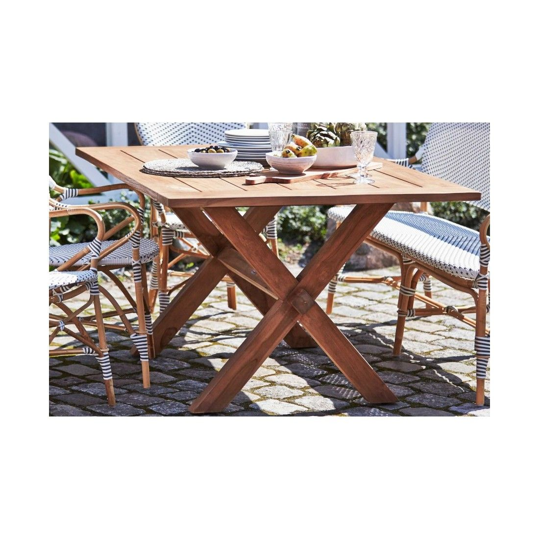 Table en teck ancien 160 cm