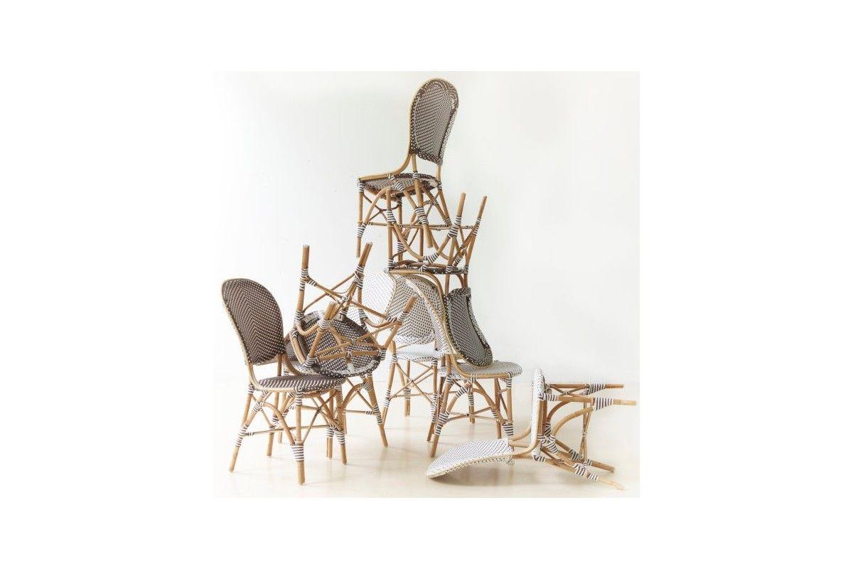 Chaise de jardin en rotin naturel et r sine tress e la - Table et chaise de jardin en resine ...