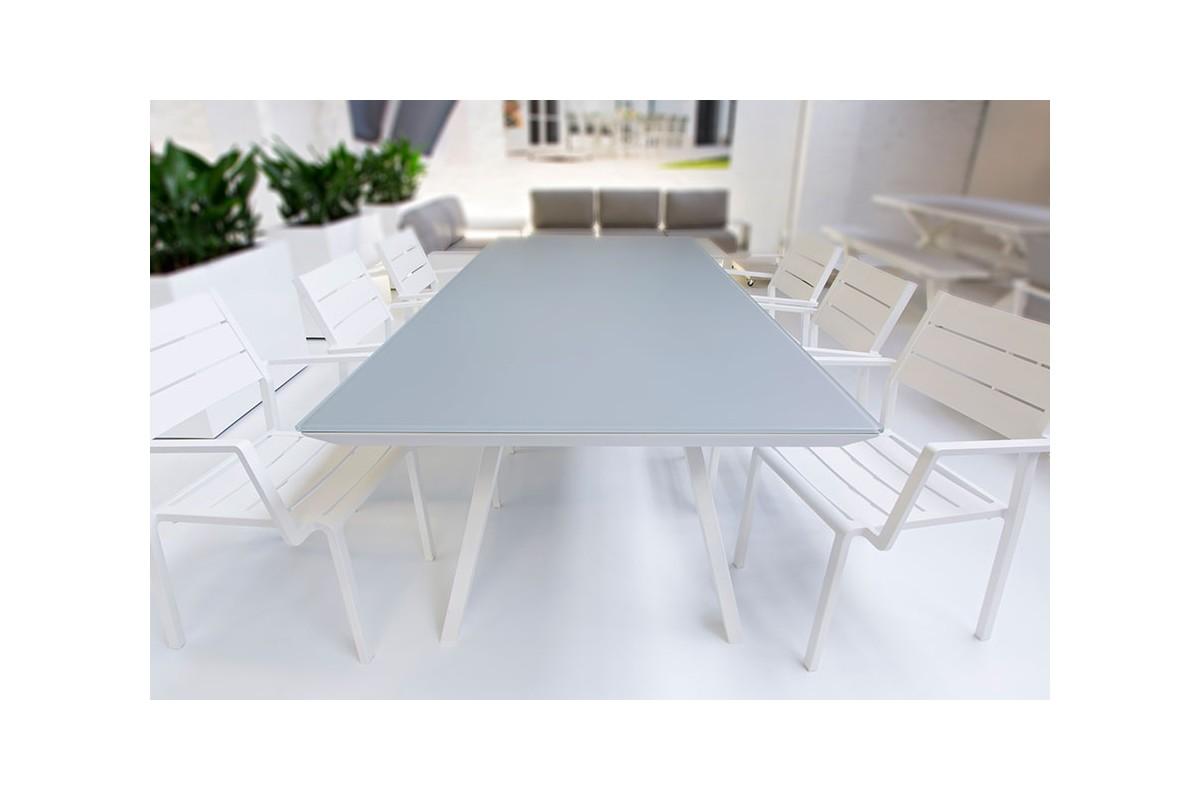 Table de jardin en verre alu et plateau en biseau vers for Table jardin alu et verre