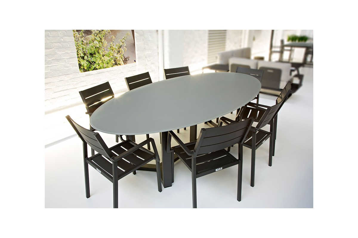 table de jardin ovale design en aluminium plateau en. Black Bedroom Furniture Sets. Home Design Ideas