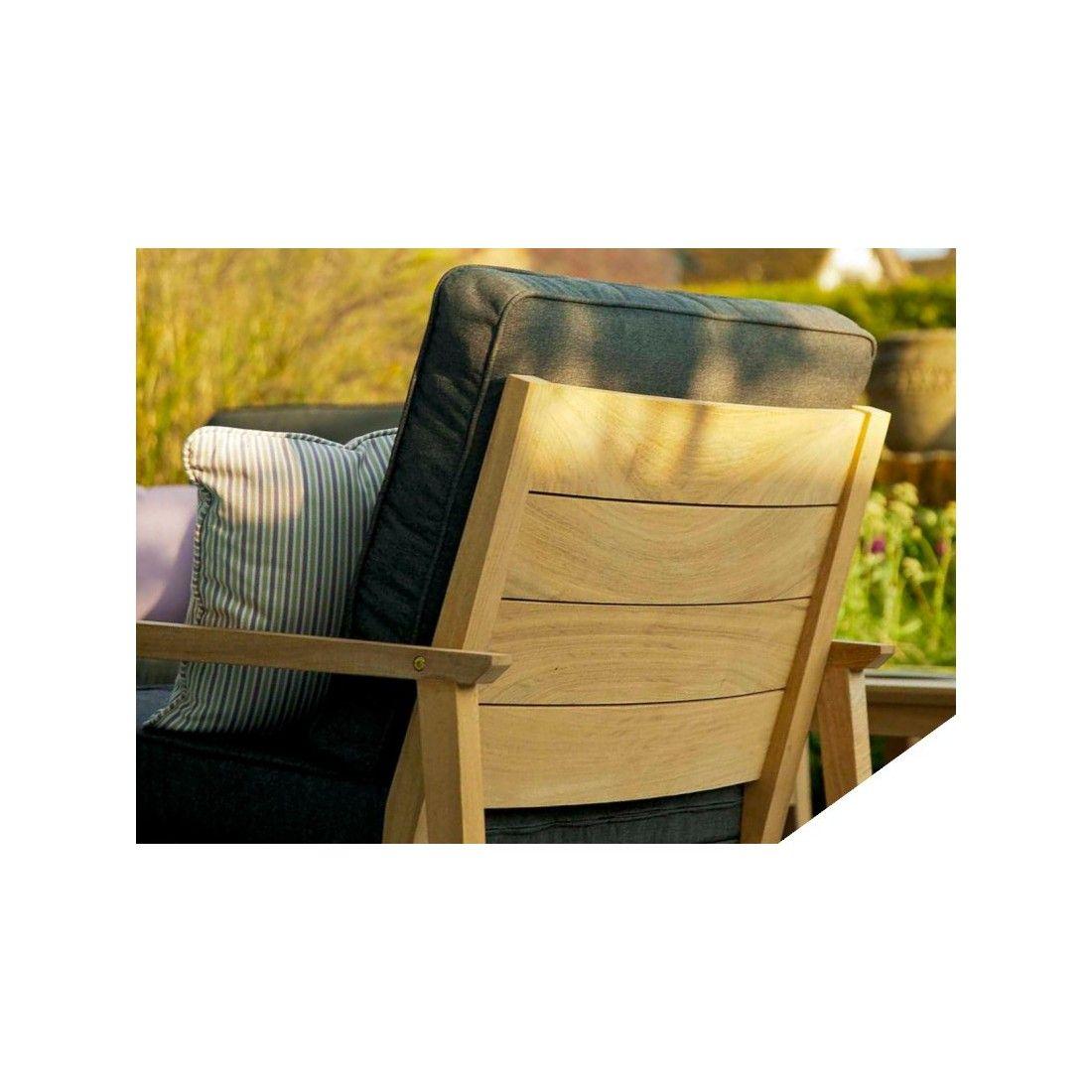 Fauteuil de salon de jardin en bois avec coussin gris foncé
