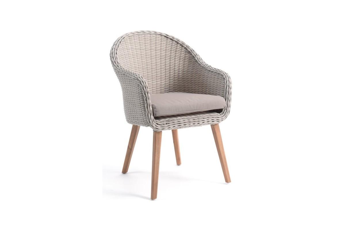 chaise en r sine tress e ronde avec un coussin et des pieds en teck far la galerie du teck. Black Bedroom Furniture Sets. Home Design Ideas