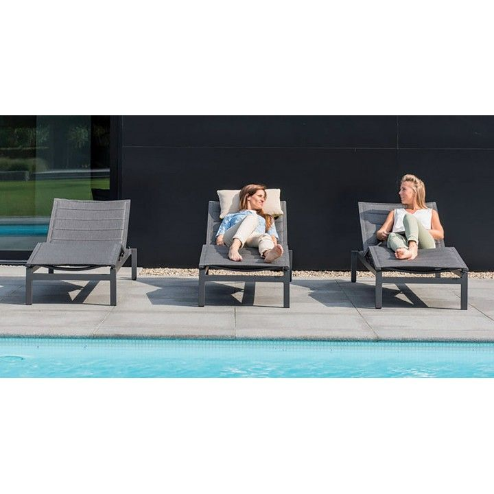 Lit bain de soleil design et réglable en textilène matelassé et alu