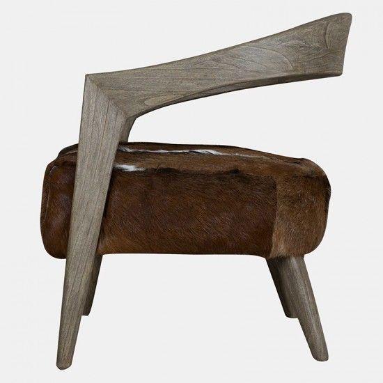 Fauteuil en bois massif et coussin en peau